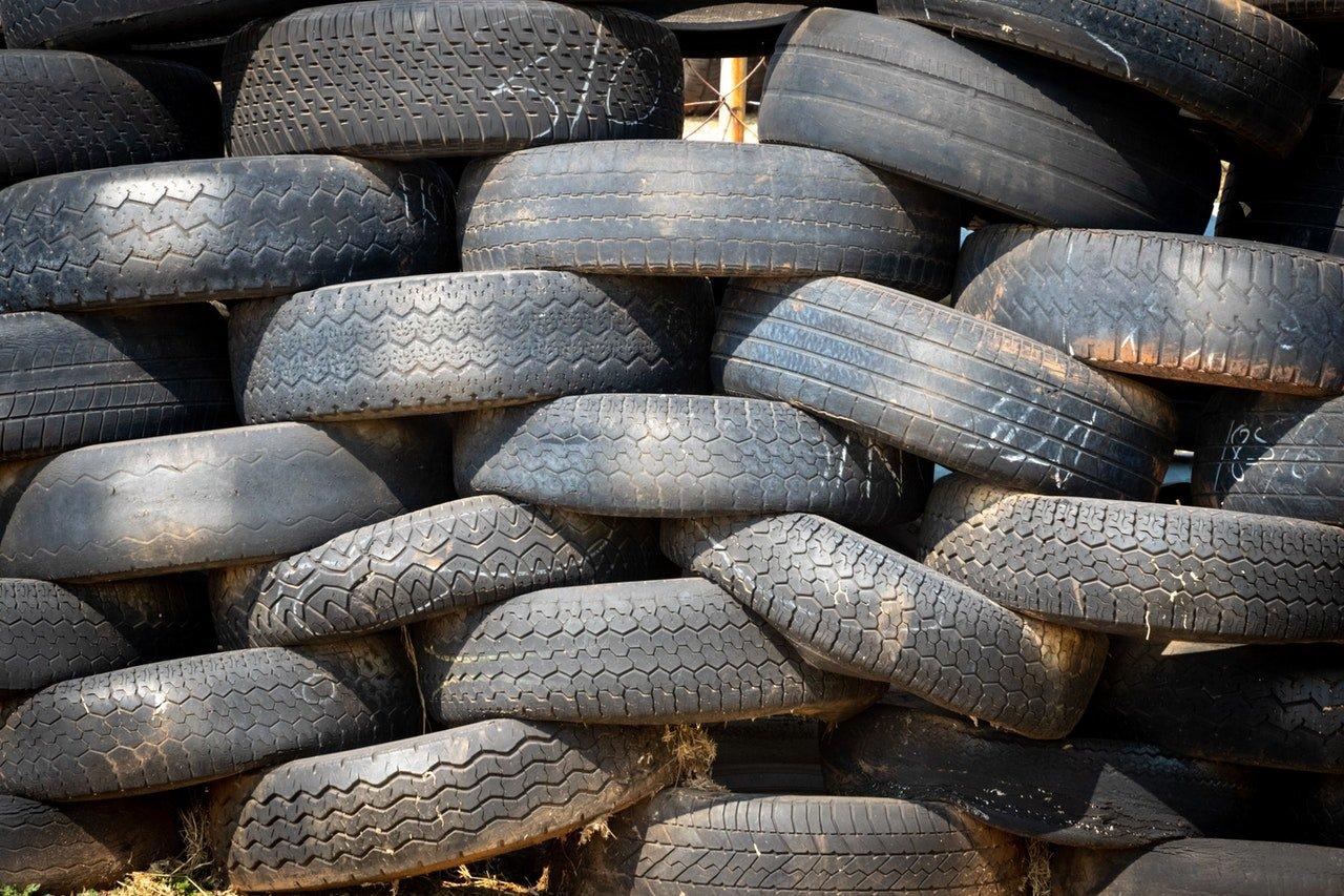 Autobanden: microplastic en fijnstof